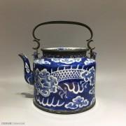 清 龙纹青花 铜手提 瓷茶壶