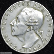 【德藏专卖】德国1936年腓特烈大帝逝世150周年白色金属章 卡尔哥茨作品