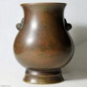 天鸡耳尊式铜扁瓶